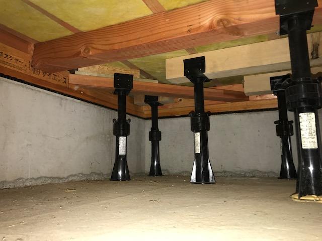 ピアノ 床下補強 突っ張り 縁の下の力持ち