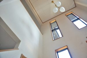 玄関,吹き抜け,階段,廊下,採光,画像,